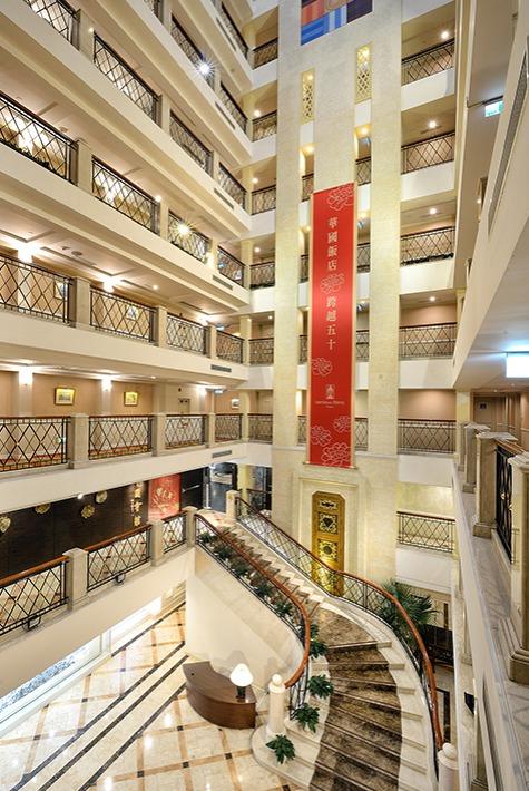 台北唯一挑高12樓的中庭